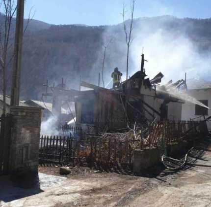 Chialamberto incendio casa fraz mottera 4