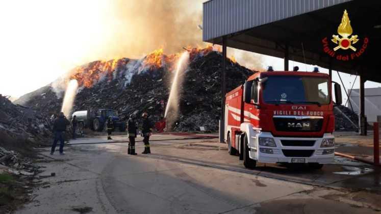 Frossasco incendio area industriale 6