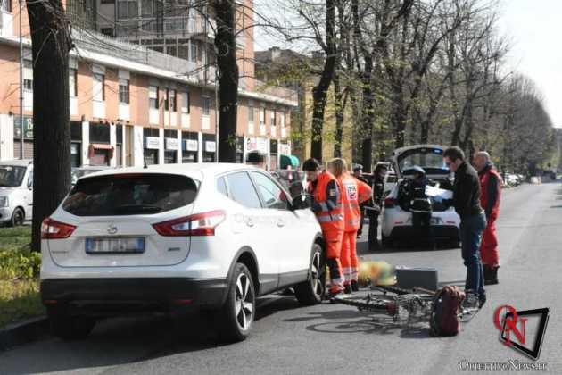 Torino Via Verolengo ciclista investito 2