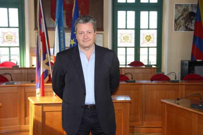 Angelo Castagno Medium Res