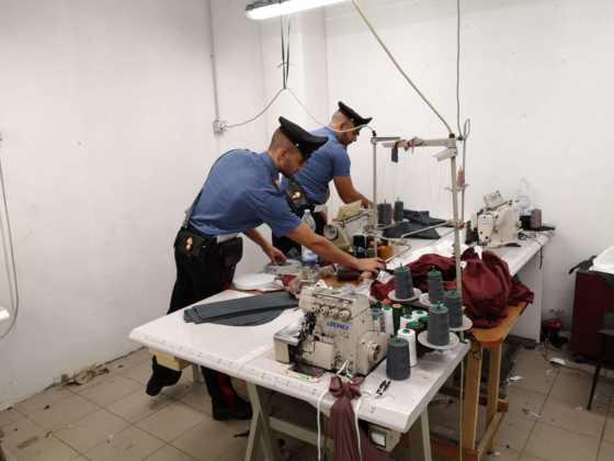 Cirie laboratorio clandestino cinese 12