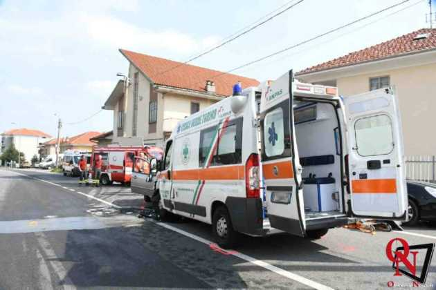 Lanzo scontro auto ambulanza3 Res