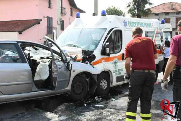 Lanzo scontro auto ambulanza4 Res