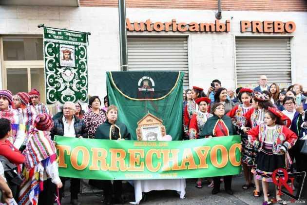 Torino Processione peruviana 12
