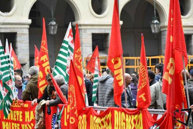 Torino manifestazione aziende in crisi 11 Res
