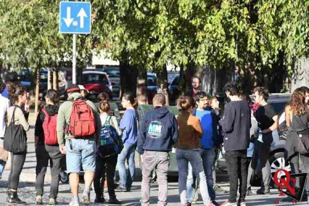 Torino protesta per mercato1 Res