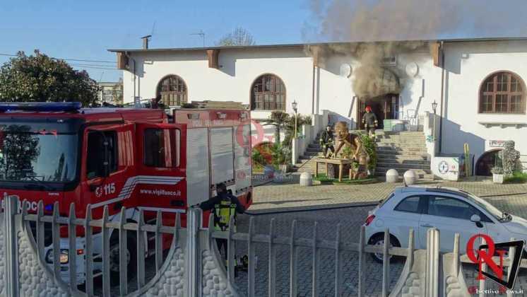 Feletto Incendio sede calciobalilla 13