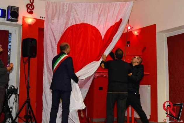 Torino inaugurazione panchina rossa gigante 10 Res