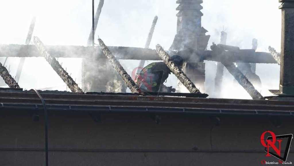 Forno Canavese Incendio tetto 10