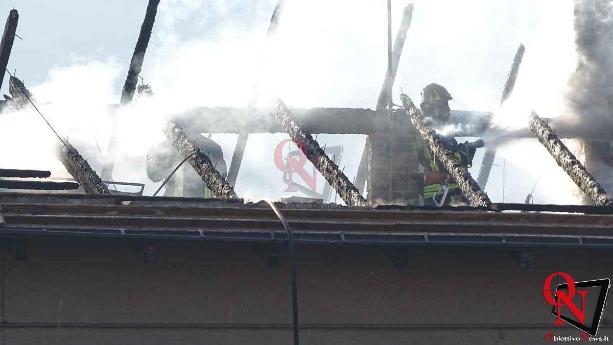 Forno Canavese Incendio tetto 11