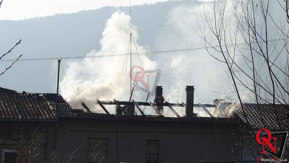 Forno Canavese Incendio tetto 12