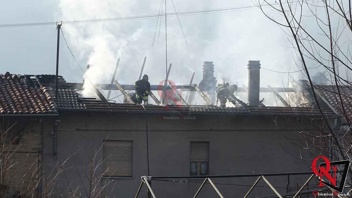 Forno Canavese Incendio tetto 7