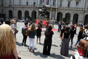Torino Flash Mob lavoratori Teatro Regio 3