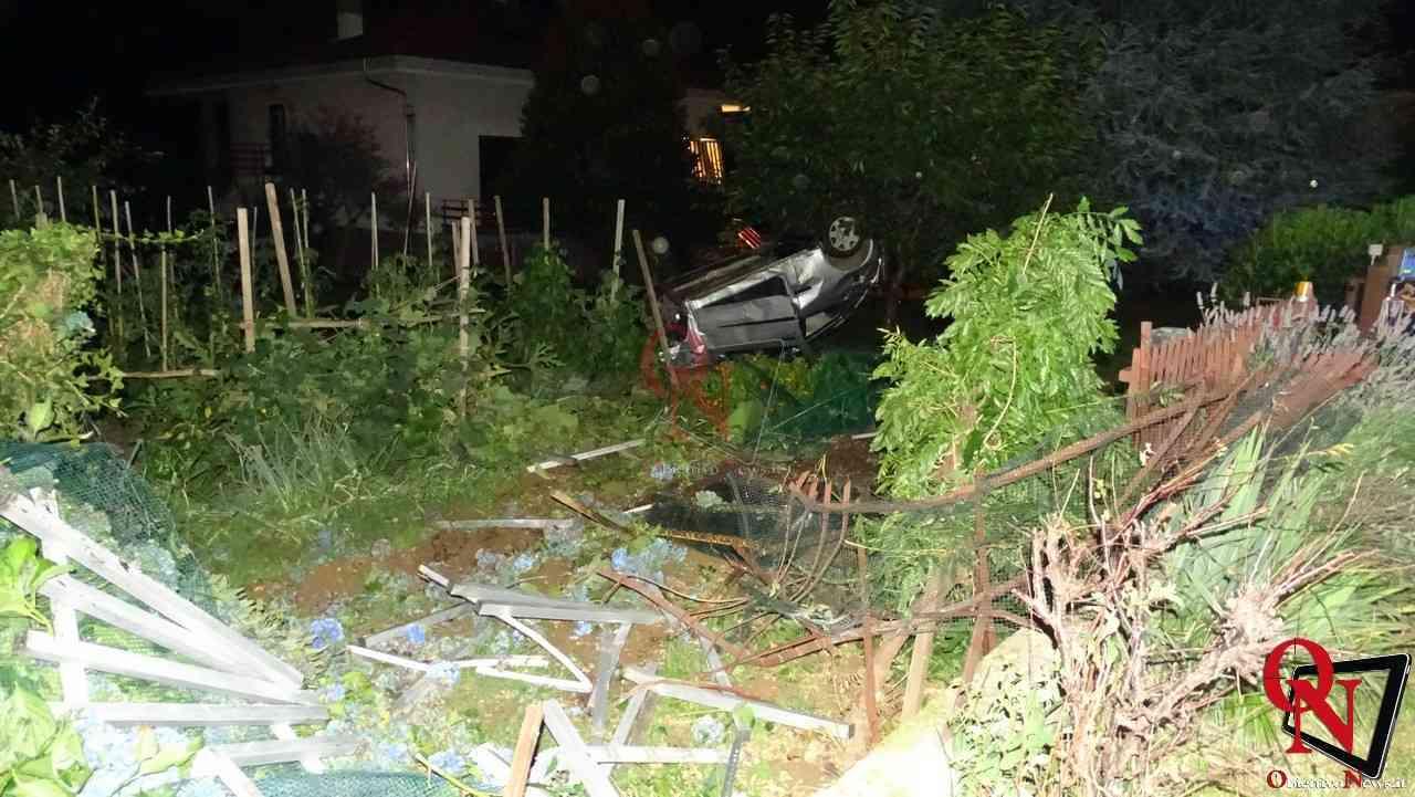 Forno Canavese Auto in giardino 7