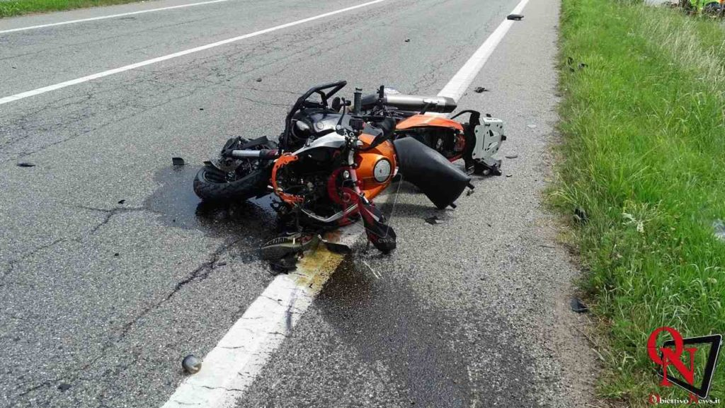 Valperga incidente auto moto 3