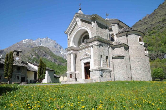 antico complesso parrocchiale Usseglio 2 Res