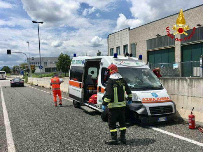 torino incidente ambulanza
