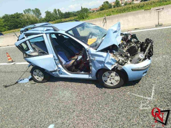 torino incidente tangenziale furgone auto 1 Res