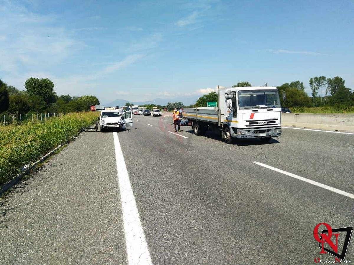 torino incidente tangenziale furgone auto 3 Res