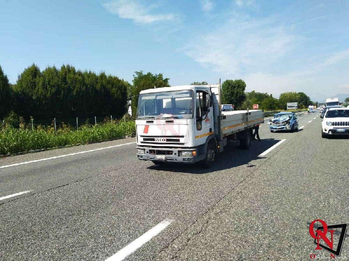 torino incidente tangenziale furgone auto Res